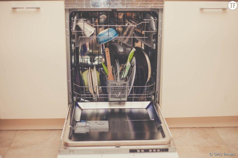 Pourquoi vous ne devriez jamais rincer vos assiettes avant de les mettre au lave-vaisselle