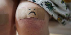 La douleur des petites filles moins prise en compte que celle des garçons