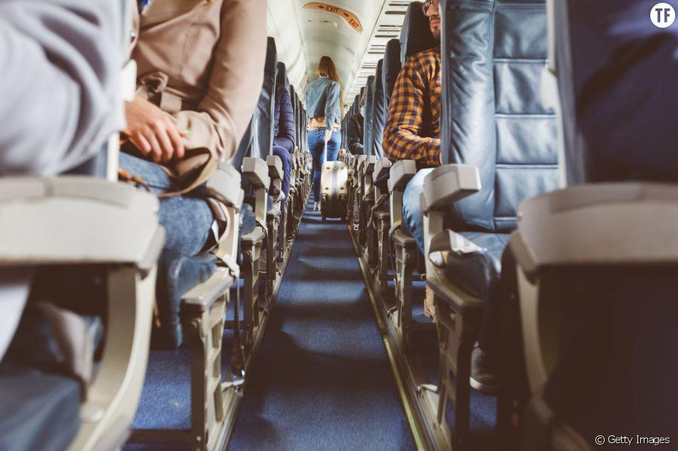 Image d'illustration passagères dans un avion