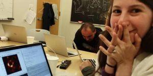 La Dr Katie Bouman à l'origine de la photo du trou noir devient la cible des sexistes