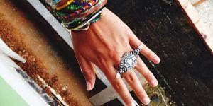 Pourquoi le bracelet brésilien est-il toujours aussi tendance ?