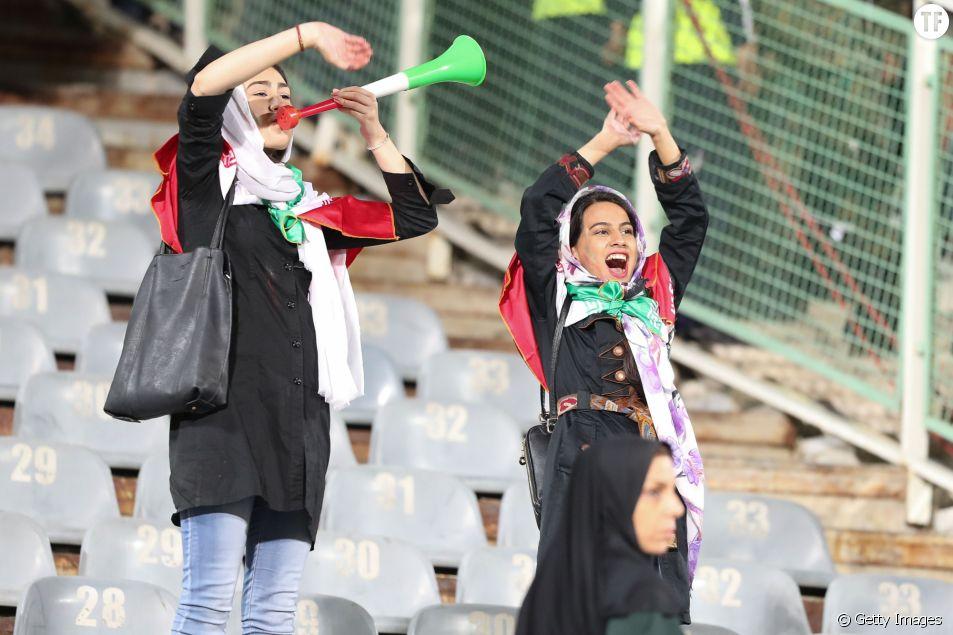 Le 16 octobre 2018, une poignée d'Iraniennes avaient été autorisées à assister au match amical Iran Bolivie au stade Azadi, à Téhéran.