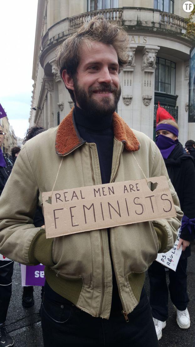 Manifestant de la marche Nous Toutes