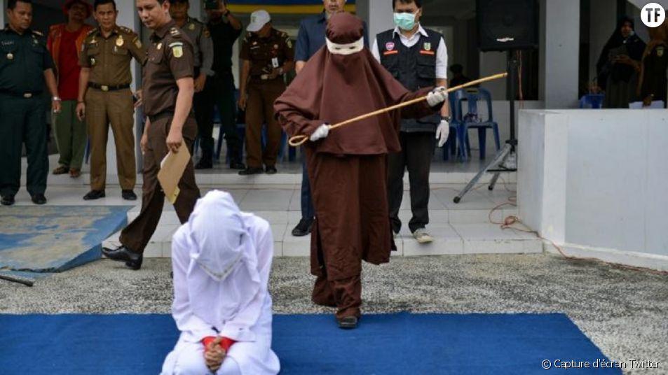 AFP News Twitter - la violence faite aux femmes, par les femmes, à Aceh.