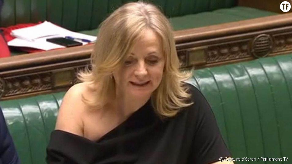 Critiquée pour son épaule dénudée, cette députée britannique répond aux trolls