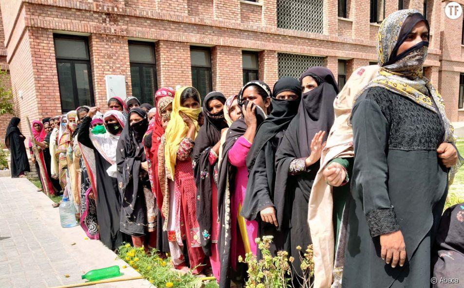 """Le """"manque de pudeur"""" des femmes responsable du Covid-19 selon un imam pakistanais"""