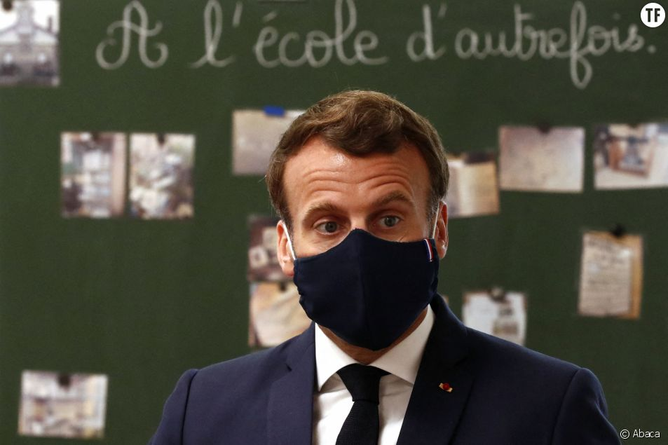 Emmanuel Macron en visite dans une école de Poissy, dans les Yvelines.