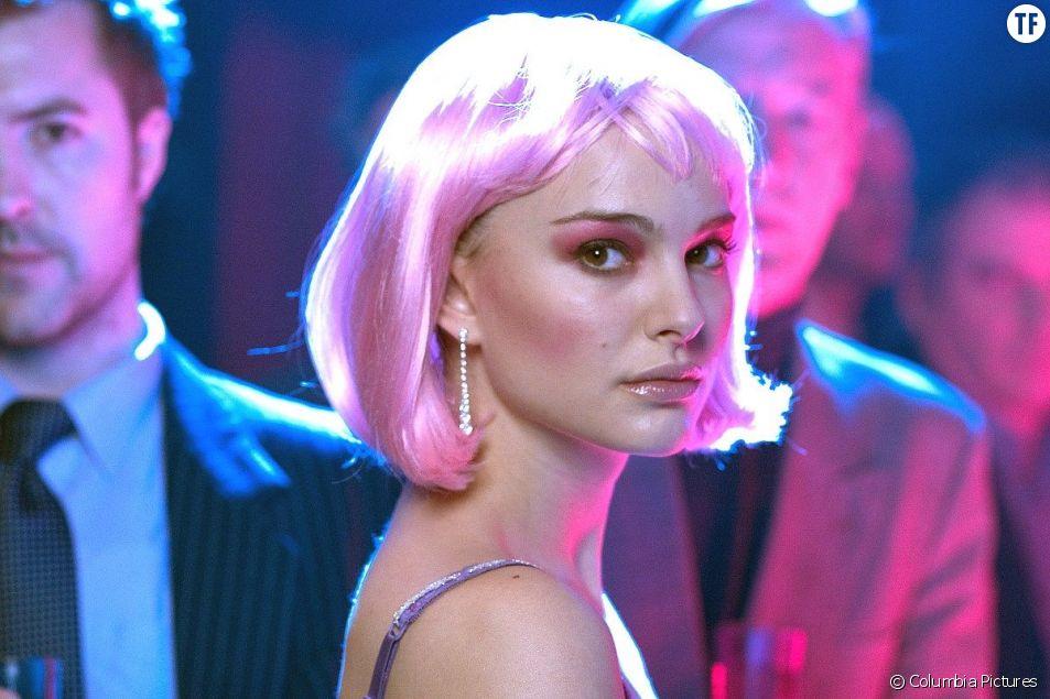 """""""Closer"""" avec Natalie Portman : en 2004 déjà, la grande mode du rose glamour."""