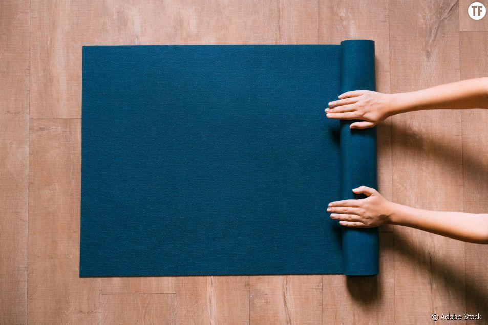 5 postures de yoga faciles pour garder le moral