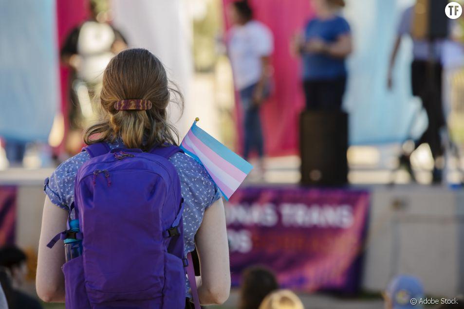 """Les filles transgenres exclues des compétitions sportives en Floride : une décision """"effroyable"""""""