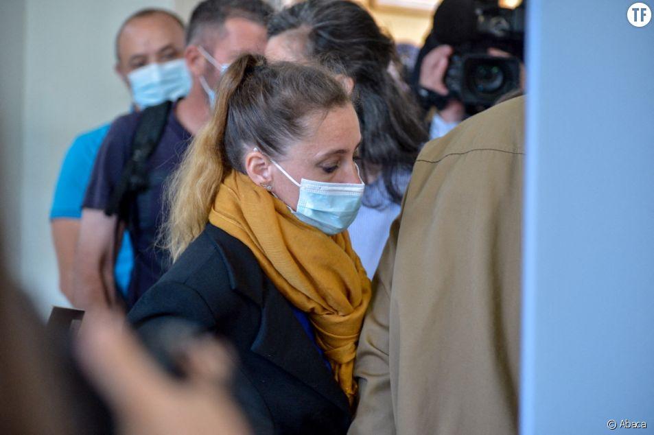 """Le """"syndrome de la femme battue"""" reconnu dans l'affaire Valérie Bacot, victime de violences conjugales et de viol."""