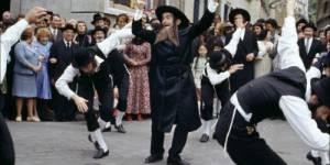 « One way Trigger » : The Strokes font danser Rabbi Jacob avec leur nouveau single