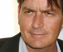 Charlie Sheen : il menace de se suicider, la police intervient chez lui