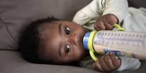 Boissons végétales et bébés : l'Anses alerte sur leurs dangers