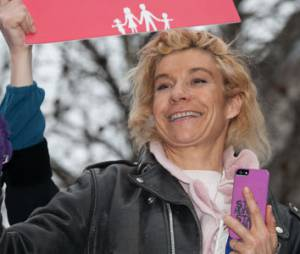 "Mariage gay : Frigide Barjot dérape et Karl Zéro dit ""Stop"""