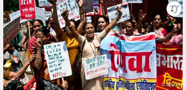 """Le """"printemps des femmes"""" gronde après le viol d'une fillette en Inde"""