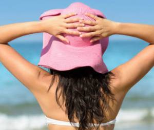 Comment perdre le gras derrière les bras sans chirurgie esthétique ?