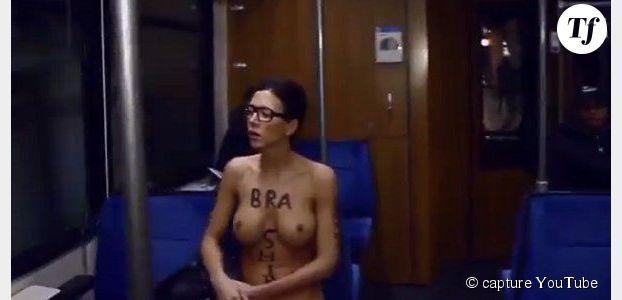 Une femme se balade nue dans les transports allemands - vidéo