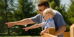 Pourquoi et comment la Suède incite les pères à rester à la maison