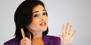 Pour la patronne de Facebook, Sheryl Sandberg, les femmes doivent pleurer au travail