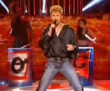 Un air de star : Amaury Vassili en Johnny Hallyday – Vidéo M6 Replay