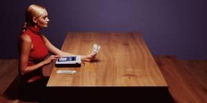 Assurance : crise oblige, les femmes épargnent de plus en plus