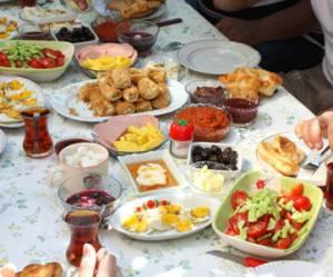 Ramadan 2013 : comment jeûner sans danger ?