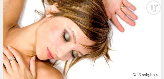 Se maquiller avant de dormir : tendance et dangereux
