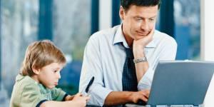 Les pères de famille travaillent de moins en moins