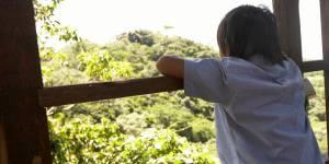 Un couple laisse son fils de 9 ans seul un week-end