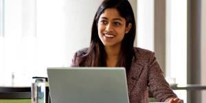 Entrepreneur et salarié : peut-on cumuler les deux activités ?
