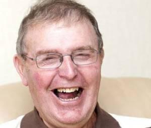 Un patient victime d'un AVC heureux non-stop