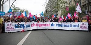 Des anti-mariage gay déposent une requête au Conseil d'État et menacent de saisir l'ONU