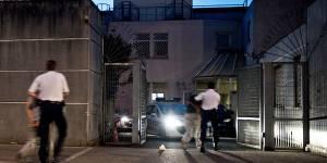 Agression à Trappes : l'ado voilée qui avait porté plainte tente de se suicider
