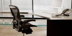 Mal de dos : votre chaise de bureau nuit à votre santé