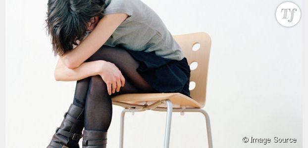 Être assis toute la journée mène à la dépression