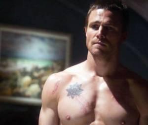 Arrow Saison 2 : une nouvelle bande-annonce pour Oliver Queen (Spoilers)