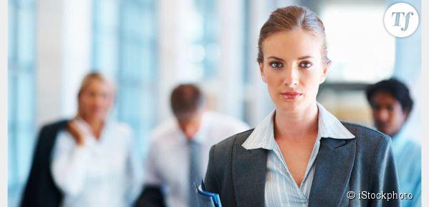 Les femmes ressentent le besoin d'agir comme des hommes au boulot