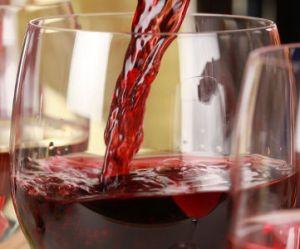 Des pesticides dans tous les vins, même bio