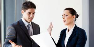 """Les 5 comportements """"féminins"""" qui risquent le plus de nuire à votre carrière"""