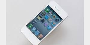 Apple lance l'iPhone 4 blanc après dix mois d'attente