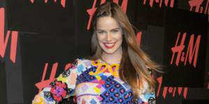 "Thigh gap : Robyn Lawley , mannequin ""grande taille"", témoigne"