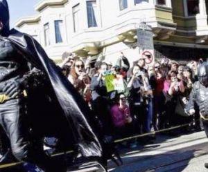 Batman et Batkid « sauvent » San Francisco - vidéo