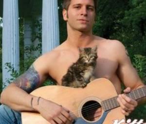 Calendrier 2014 : des hommes très sexy et des chatons trop mignons
