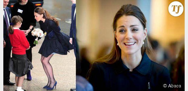 Kate Middleton Sa Jupe Soulevee Par Le Vent Affole Les Anglais Terrafemina