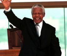 Nelson Mandela : l'Afrique du Sud entame une semaine de deuil officiel