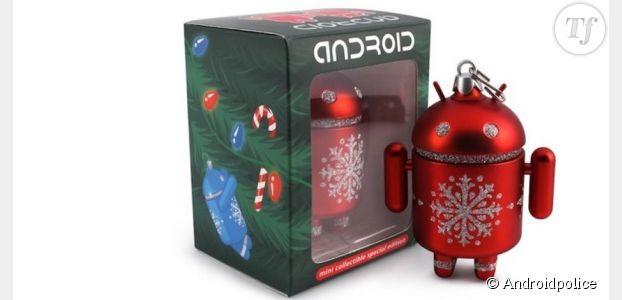 Décorations de Noël originales : un robot Androïd dans votre sapin