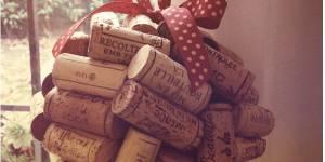 Comment fabriquer une boule pour votre sapin de Noël à partir de bouchons de vin - DIY