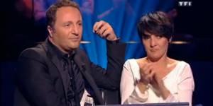 Qui veut gagner des millions: de honte, Arthur fait un don de 40.000 euros - TF1 Replay