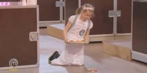 MasterChef junior: Léa fait tomber son plat avant la dégustation du jury - TF1 replay